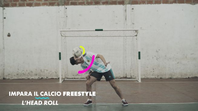 I trick del calcio freestyle: l'head roll